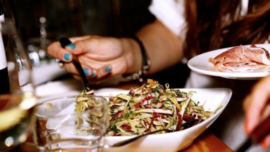 02 plats de salades vertes lourdes à servir pour la fête des Pères